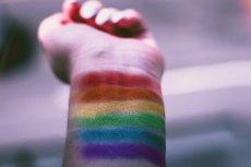 Wiele młodych ludzi, boi się przyznać najbliższym, że są homoseksualistami. Nie chcą być odrzuceni.